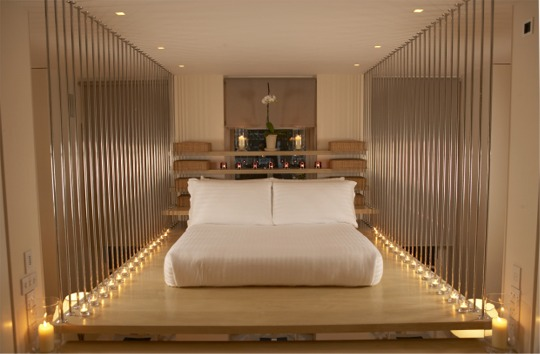 Modern minimalist bedroom in the Hempel Hotel