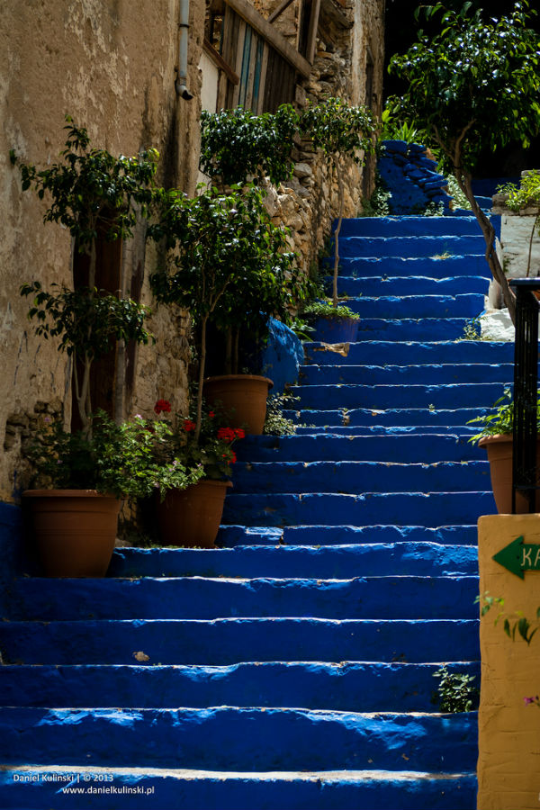 Blue Steps To Success: Decorating With Mediterranean Blue