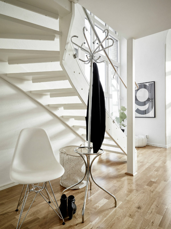 Coat stand in Scandinavian style apartment