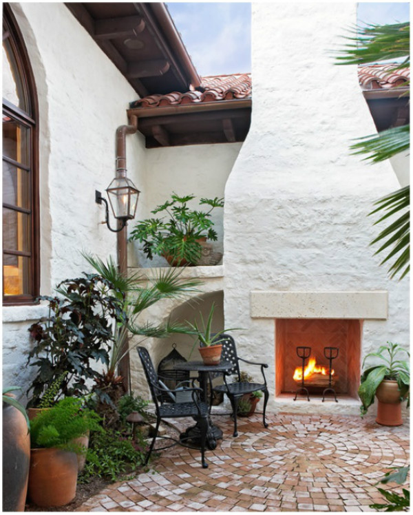 Mediterranean style outdoor fireplace