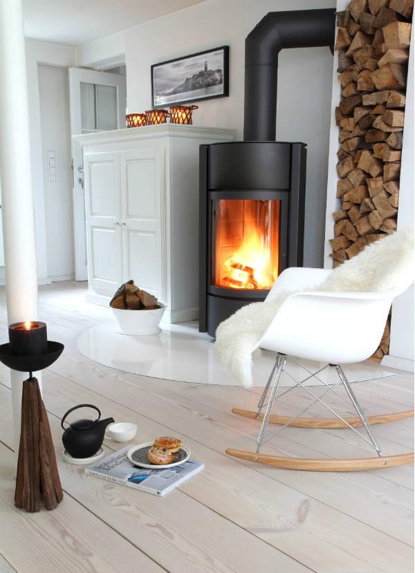 Modern rustic fireplace - Scandinavian style interior