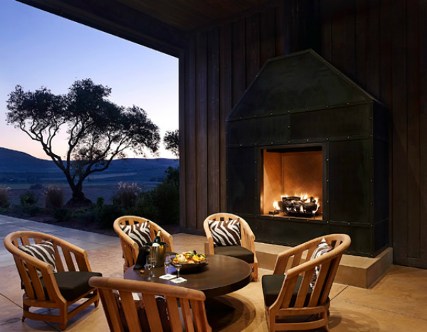 Outdoor Fireplaces in Outdoor Living Rooms – Mocha Casa Blog