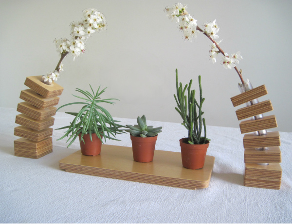 Spring Vases with blossoms and succulents on a wooden tray from Mocha