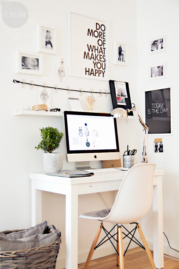 Home office with motivational pictures