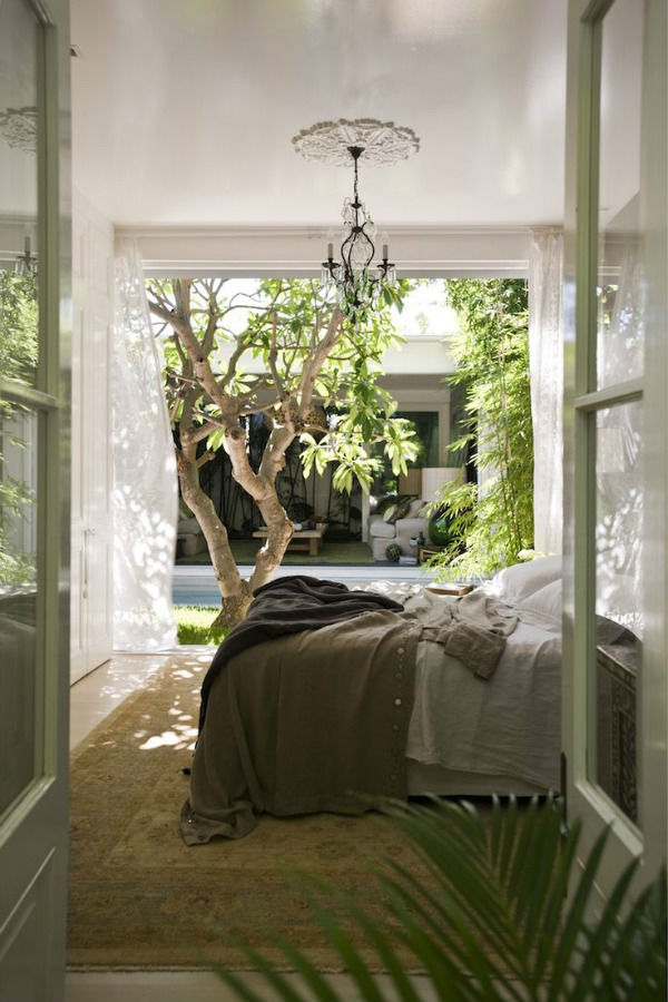 10 beautiful bedroom ideas inspired by nature that will for Bedroom ideas natural