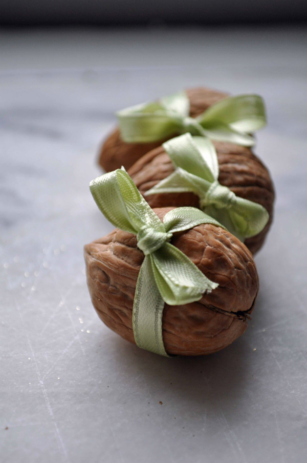 Walnut shell gift box