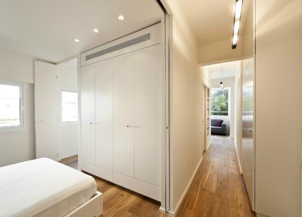Minimalist apartment with a Scandinavian feel and broken plan living