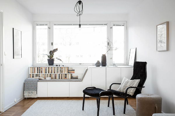 Five things to love about this window seat mocha casa blog Window seat reading nook