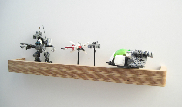 Toy shelf and floating display shelf for lego models