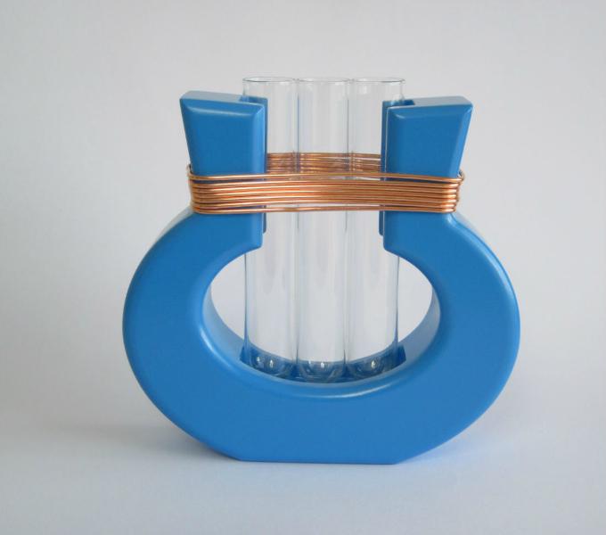 Harp Vase from Mocha