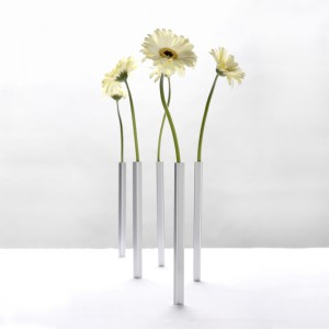 Magnetic Vases from Mocha