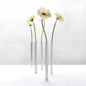 Magnetic Vases from Mocha
