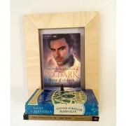 marco-frame-shelf-books-poldark-mochacasa