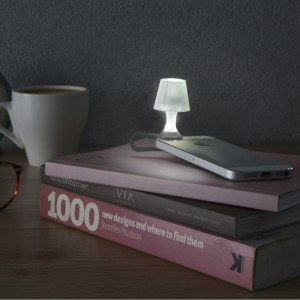 Luma Mobile Phone Night Light from mochacasa